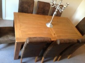 Grand rustic oak extending kitchen/dining room table for sale - barely used