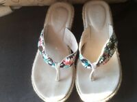 'Animal' Wedges Size 5