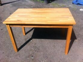 Solid oak butchers block dining table in great solid and sturdy condition