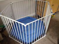 Playpen. Lindam Safe & Secure white metal. Room divider