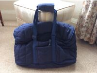 Picnic/Cooler bag with silver insulation panels