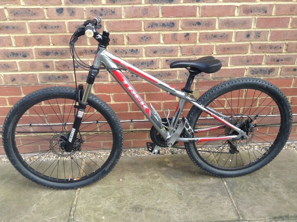 Trek 3500 3 Series Mountain Bike New Parts Newly Serviced In