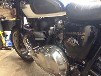 Triumph bonneville T100SE