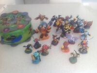 Skylander characters 22 and free carry case