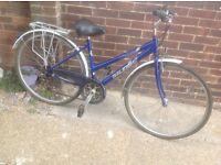 Ladies Raleigh Pioneer Hy Brid Cycle 18 speed