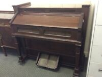 Estey Organ Co. ANTIQUE ORGAN : GOOD WORKING ORDER