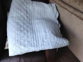 Bed throw Laura Ashley