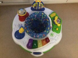 Leapfrog Learn & Groove sit in activity station, great condition