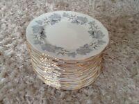 18 Royal Albert luncheon/small dinner plates