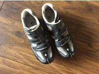 Cycling shoes size 5 junior or ladies
