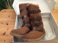 LADIES ALDO ESCOVAR BOOTS