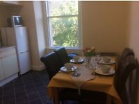 Spacious 2 Bedroom Fully Furnished Flat (very close to Abertay University)