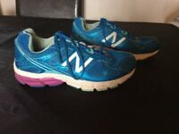New Balance trainers, size 7 (fits 6-7 adult)