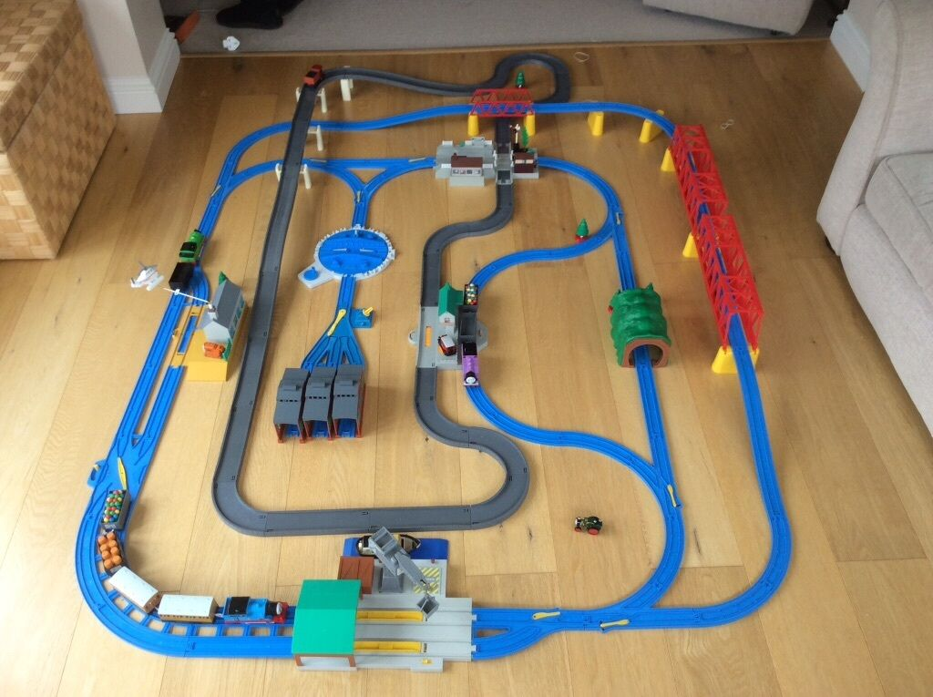 Thomas The Tank Engine Ultimate Train Set By Tomy In