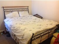 One room available in a 2 bed flat
