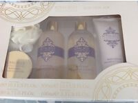Royal jelly bathing gift set by Boots