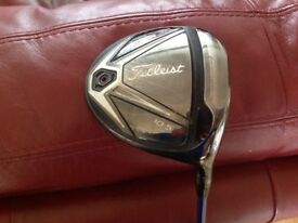 Titleist 915 d2 driver with upgraded diamanté regular shaft.