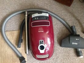 MIELE COMPLETE C3 CAT AND DOG POWERLINE