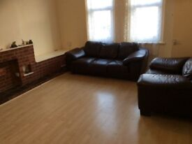 NO AGENT Fees 3 bedroom flat to let available immediately