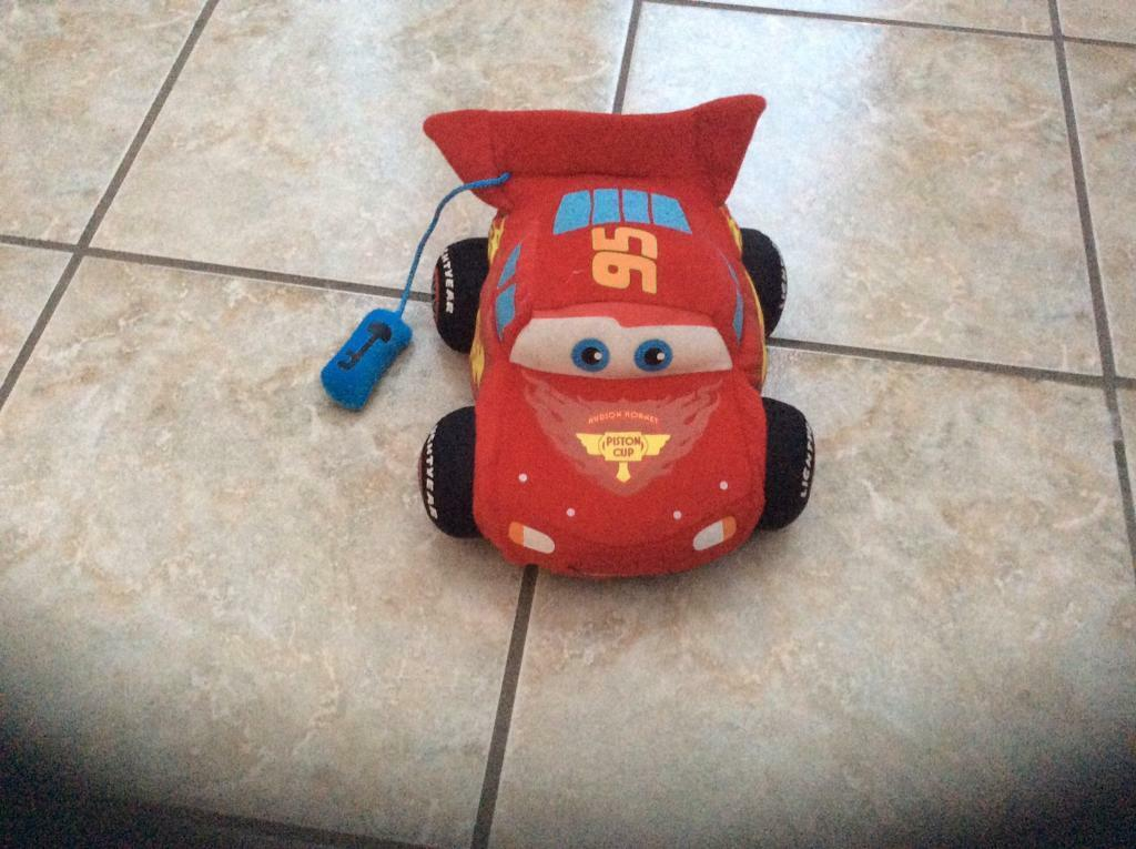 Cars Lightening McQueen soft toy plush-talks and moves