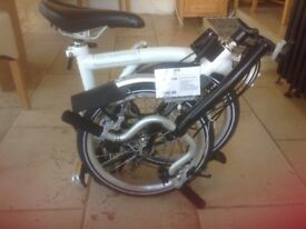 Bromton folding bike: 3 gears: ModelH3L - unused shop ticket still attached - colour white n black