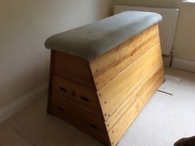 Pommel Horse. Retro Style vintage Vaulting box. Suitable for Gym or home use. Leather/Suede top.