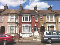 1 bedroom flat in Herbert Road, Seven Kings, IG3