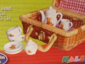 Porcelaine Mini Teaset - Winnie the Pooh Theme