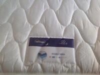 KING SIZE MATTRESS SILENTNIGHT For Sale Its a BARGAIN.