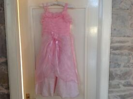 Pink dressy daisy dress age 5/6 suit wedding or special occasion
