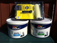 2 x 10 L TUBS OF DULUX EMULSION PLUS 9 INCH ROLLER + TRAY SET
