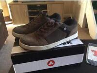 10.5 airwalk shoes