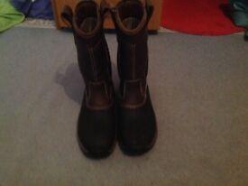 Nevis rigger safety boots U.K. Size 10