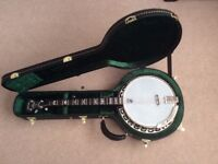 DEERING EAGLE II - 19 FRET TENOR BANJO with HARD CASE.
