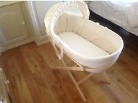 Silent Moses Basket by Shnuggle - a new kind of Moses basket