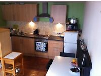 2 double bedrooms flat to let off the Royal Mile