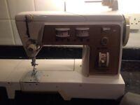 Singer 720 Sewing Machine