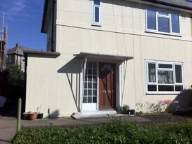 South Facing 3 Bedroom, Semi Detached with Garden, Kitchen ,