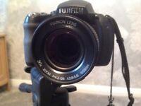 Fuji Finepix HS 10 Digital Camera