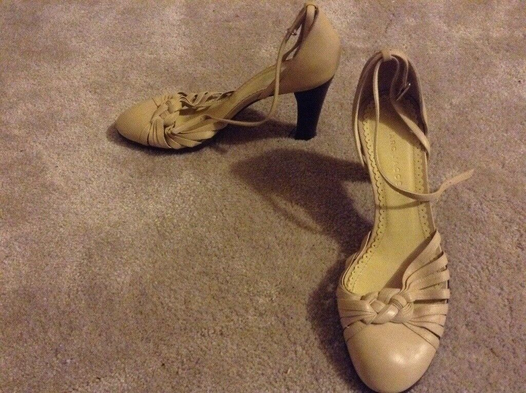 Marc Jacobs Designer heels size 6 real leather