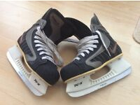 NIKE IGNITE BLACK UNISEX ICE HOCKEY BOOT/SKATES SIZE 3.5