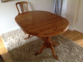 Solid extendable pine table