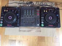 Pioneer CDJ 1000 MK2 x 2 plus dj mixer DJM600 full set up! turntables!