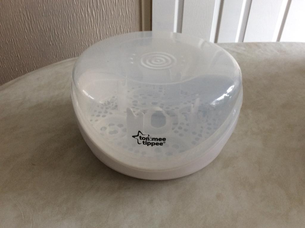 Baby bottle microwave sterilizer
