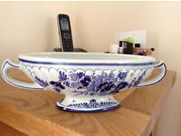"Lovely delft ware Holland 7"" oval dish in excellent condition."