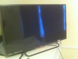 32 ' TV with free view and built in DVD player