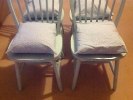 SET 4 CHAIRS DISTRESSED SHABBY CHIC PAINTED LAURA ASHLEY PAINT WITH HANDMADE LAURA ASHLEY CUSHIONS