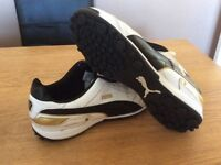 Size 9 Football Boots, indoor 5aside type- New, worn once.