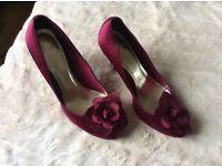 Ladies high heels size 6