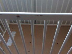 Ikea Gulliver white cot (no mattress)